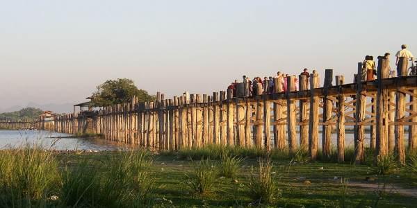 Most w Myanmarze, zbudowany w 1849 roku